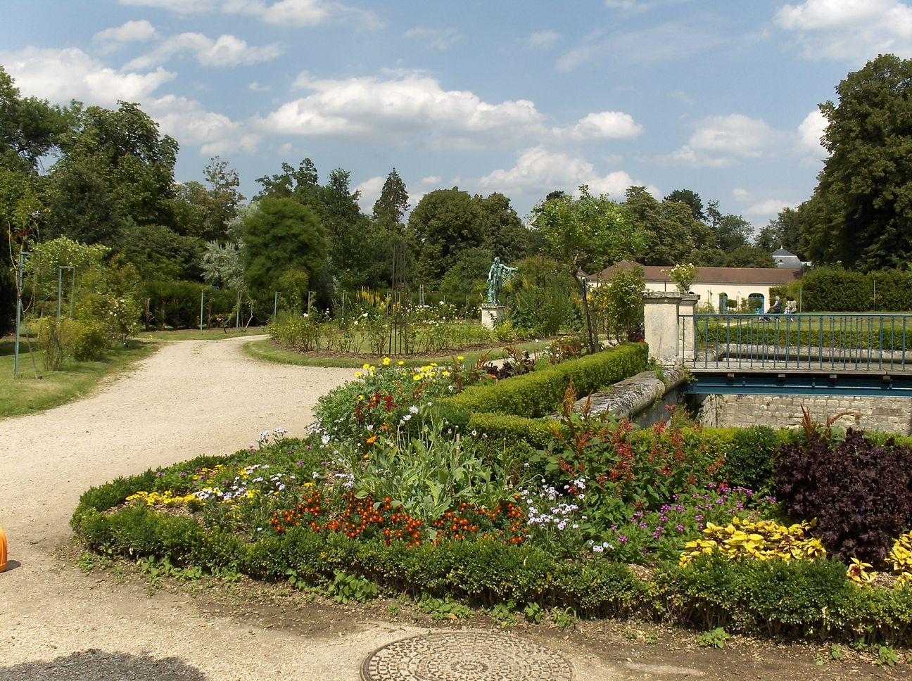 Malmaison napol for Entretien jardin rueil malmaison